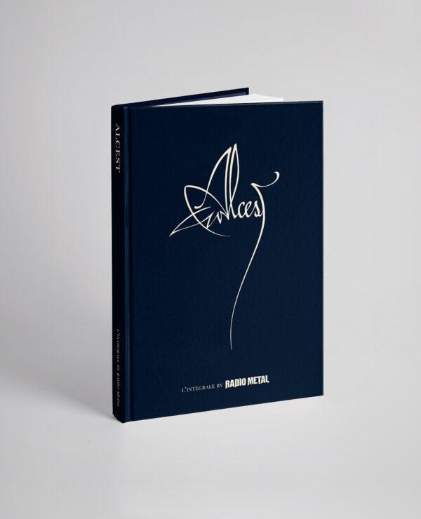 """<span class=""""collec"""">Radio metal ÉDITIONS </span><span class=""""modele"""">Livre officiel </span>L'Intégrale Alcest (FR)"""