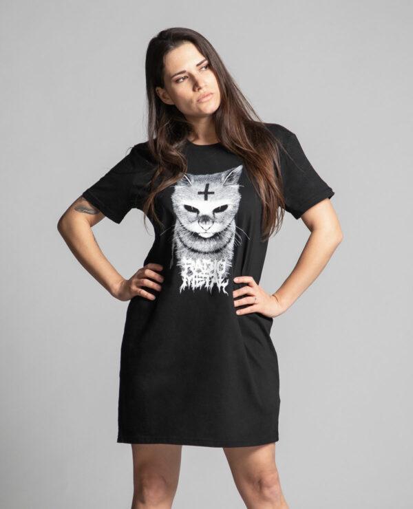 C'est une robe noire femme de la marque Radio Metal représentant un chat satanique